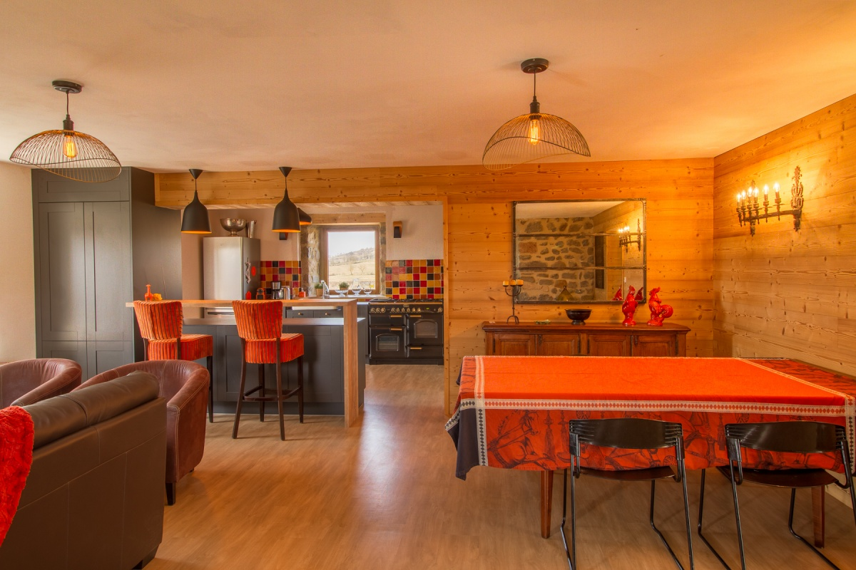 Maison d'amis : travaux-maison-construction-renovation-extension-decoration-almuneauarchitecteurs-piecedevie-orange-douceur.JPG