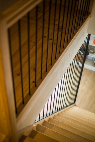 Maison d'amis : travaux-maison-construction-renovation-extension-decoration-almuneauarchitecteurs-escalier-metal-bois.JPG