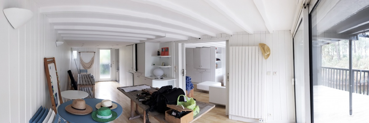 Réhabilitation d'une maison sur pilotis à Lacanau : 6. pano intérieur
