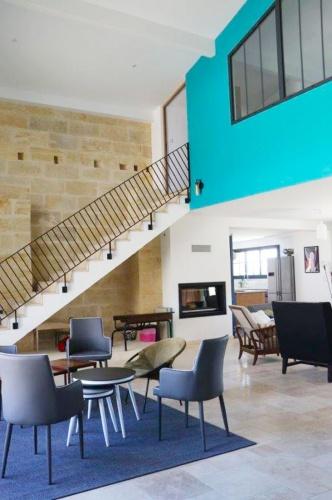 Projet ROU : LUSSAC-SAINT-EMILION-rehabilitation-renovation-maison-individuelle-grange-surelevation-extension-piscine-interieur-3