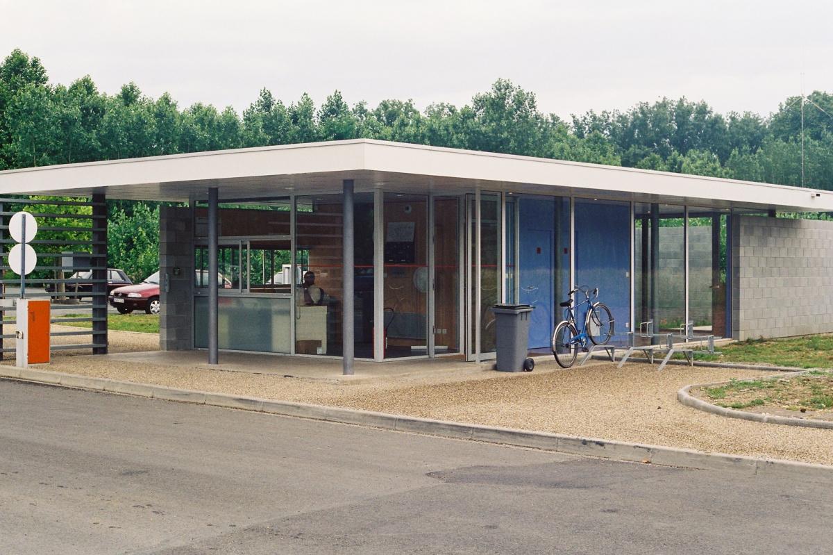 Construction d'un poste d'accueil - Usine Polyrey de Couze (24)