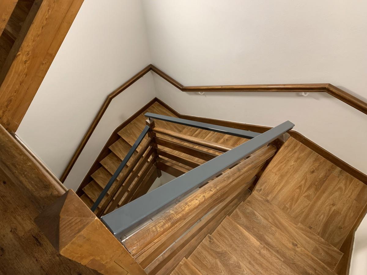 Réhabilitation d'une maison individuelle en cabinet dentaire : Escalier