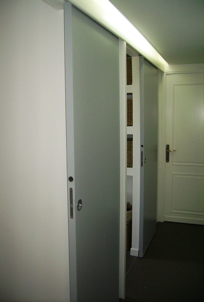 Réaménagement d'appartement : couloir + portes.jpg