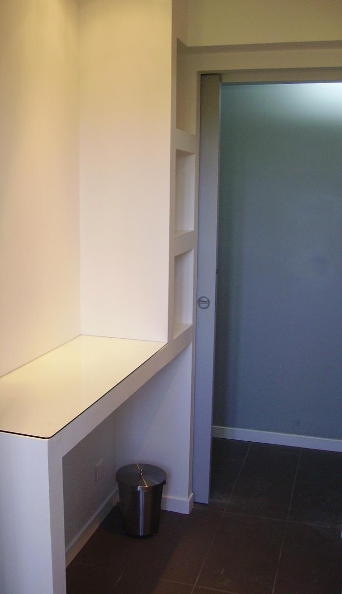 Réaménagement d'appartement : meuble blanc sdb.jpg