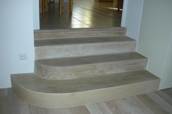 Extension d'une maison d'habitation : coffrage escalier