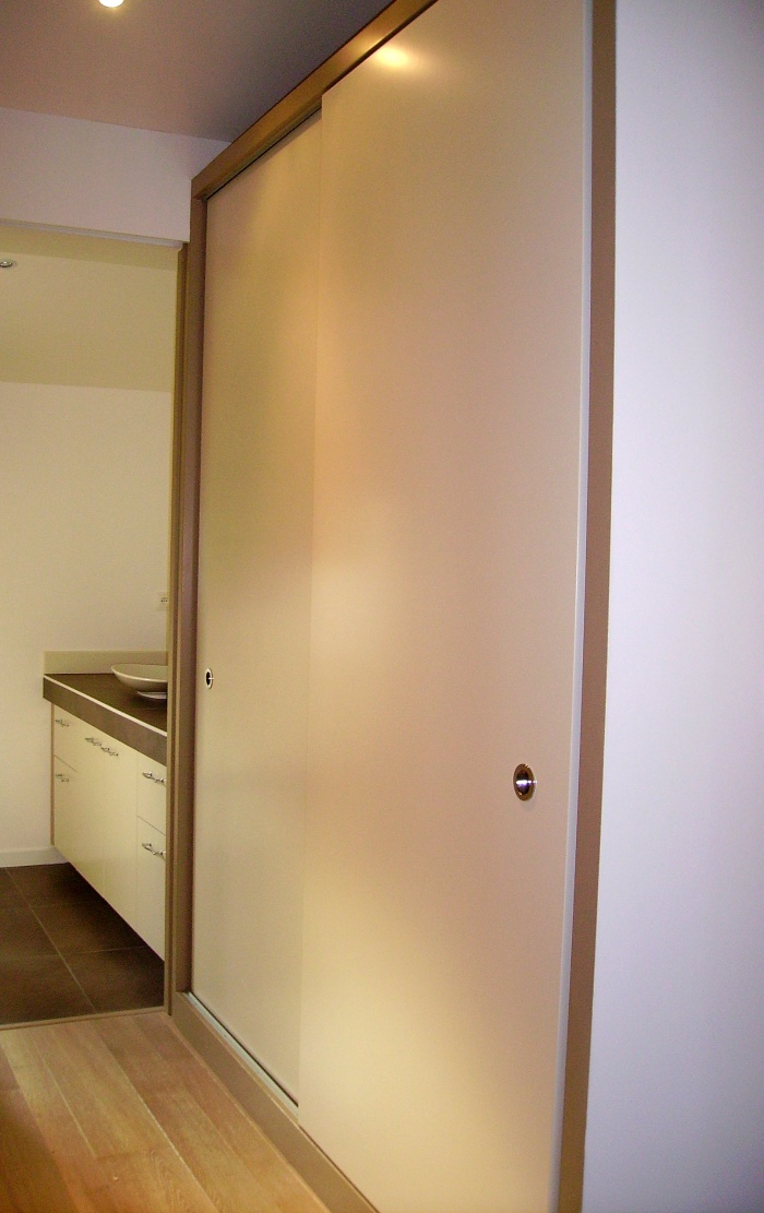 Extension d'une maison d'habitation : chambre vers dressing