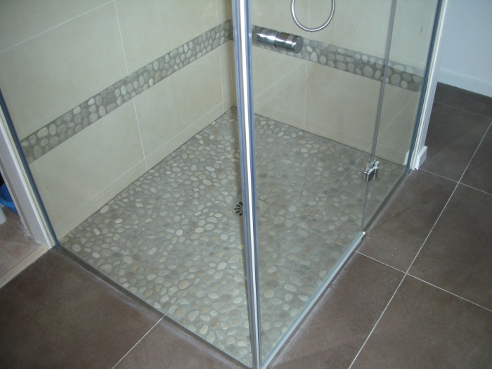 Extension d'une maison d'habitation : douche à l'italienne