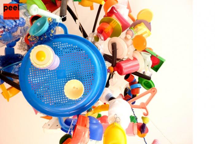 Design d'objets : lustre - plastique recyclé