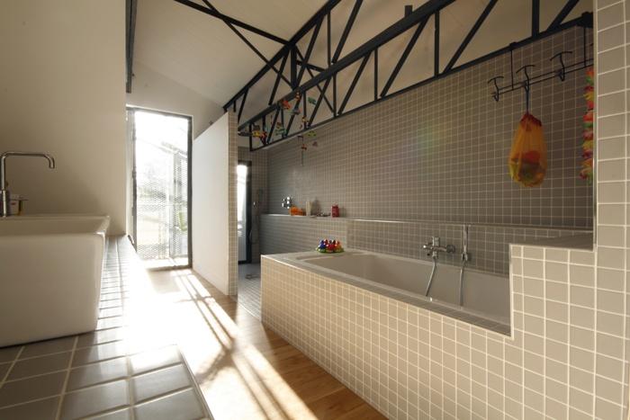 Transformation d'une usine : LOT B salle d'eau enfants