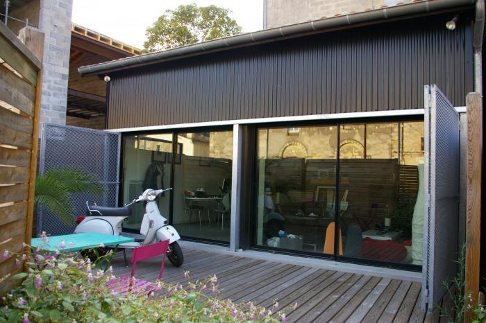 maison hangar metallique interesting maison de village with maison hangar metallique excellent. Black Bedroom Furniture Sets. Home Design Ideas
