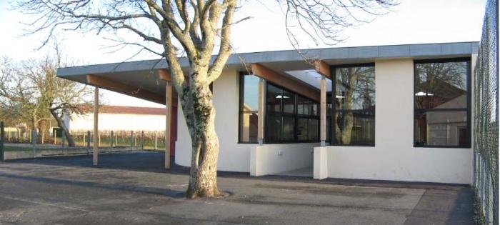 Bibliothèque scolaire et salle informatique : cubnezais vue nord