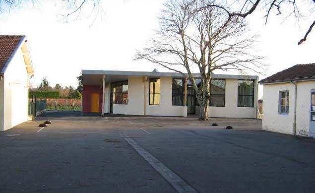 Bibliothèque scolaire et salle informatique : cubnezais vue nord 1