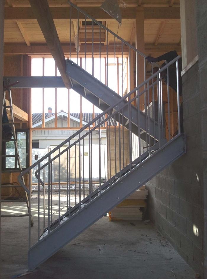 Architectes 02 ossatures bois construction bois maison m - Escalier interieur metal ...