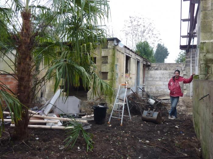Hangar r habilit en maison familiale bordeaux une for Hangar jardin