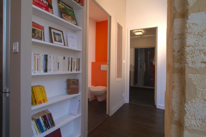 Réaménagement et rénovation d'un appartement : Dégagement vers wc et sdb