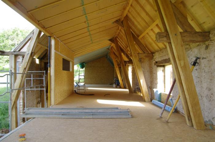 une maison dans la grange : _IGP3650 light