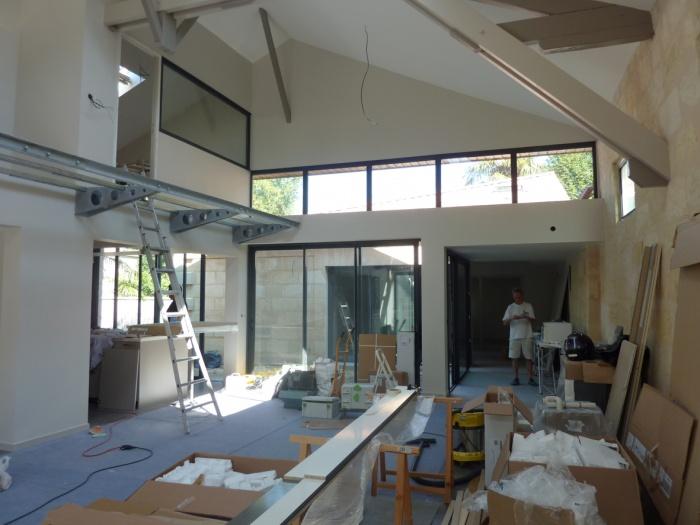 Hangar réhabilité en maison familiale : Pose passage en mezzanine.JPG