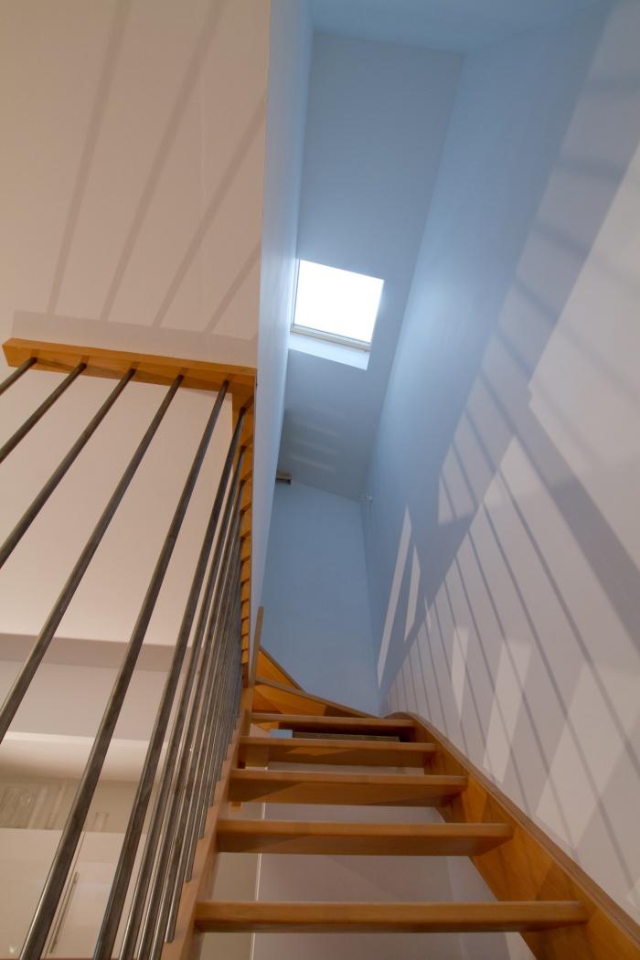 Réaménagement et surélévation d'une échoppe : Puit de jour au-dessus de l'escalier