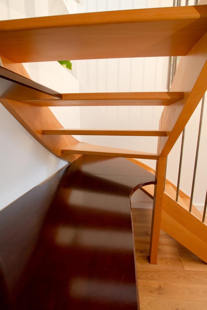 Réaménagement et surélévation d'une échoppe : Bureau sous escalier