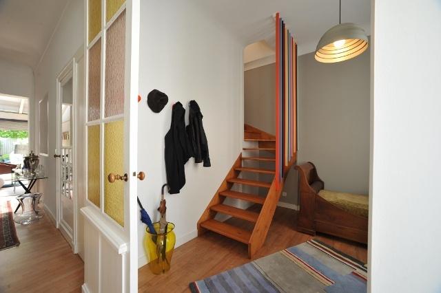 Surélévation d'une échoppe : intégration de l'escalier au rez de chaussée
