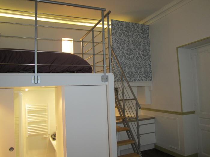 architectes studio location semaine bordeaux. Black Bedroom Furniture Sets. Home Design Ideas