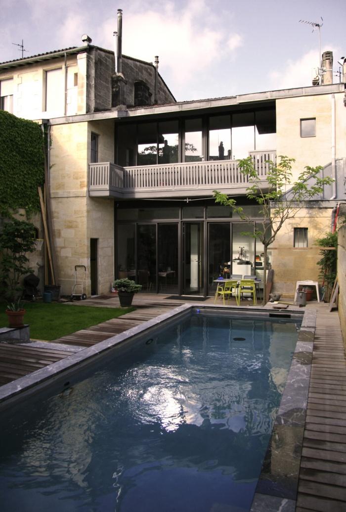 Réhabilitation d'une maison de ville & création d'un couloir de nage