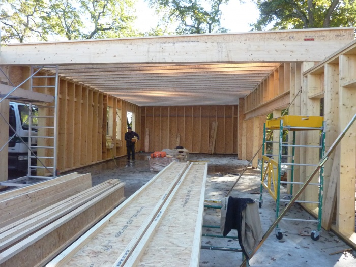 Extension d'une Ecole : Mise en oeuvre de la charpente bois
