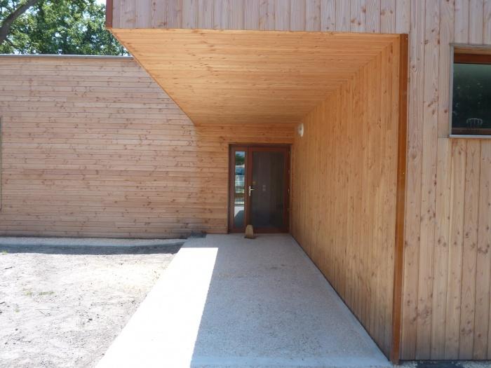 Extension d'une Ecole : Porche d'entrée