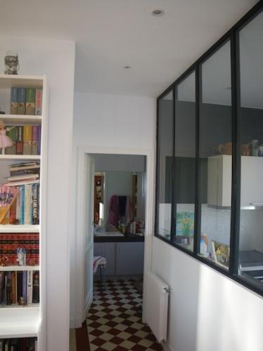 Rénovation échoppe W : Vue sur la verrière de la cuisine