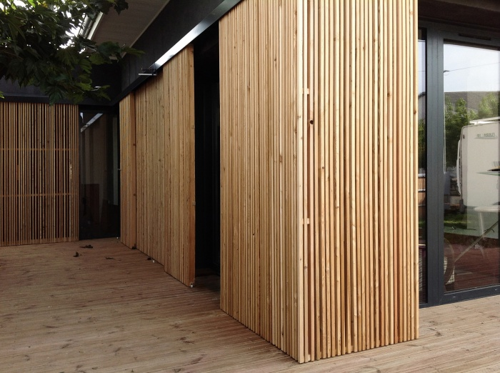 Architectes 07 extensions slnv b gles for Habillage bois interieur maison