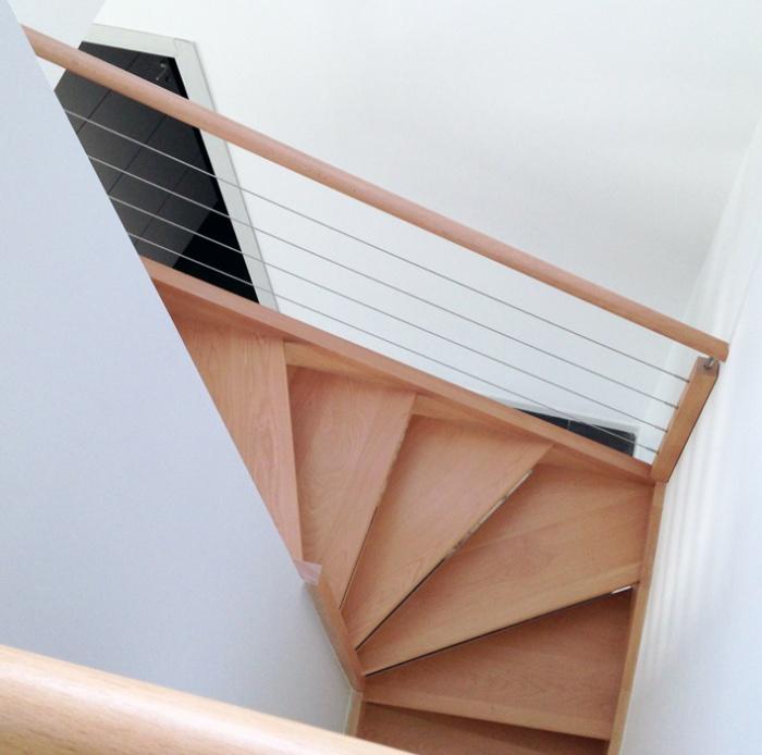 Construction d'une maison d'habitation : escalier vue d'en haut
