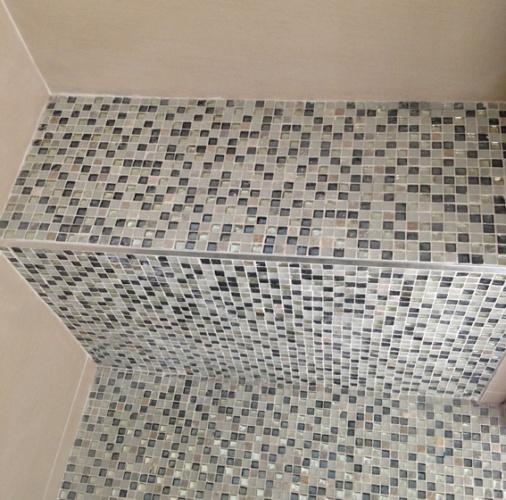 Construction d'une maison d'habitation : banc douche