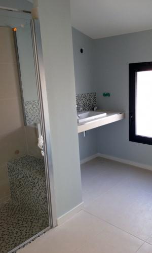 Construction d'une maison d'habitation : salle d'eau