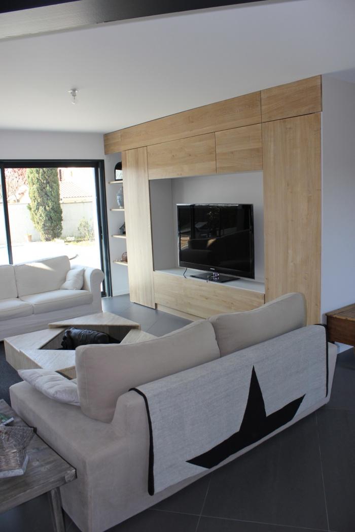 Extension et réaménagement d'une maison d'habitation : meuble télé