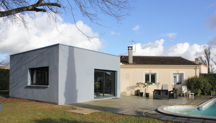 Extension et réaménagement d'une maison d'habitation : vue extérieure