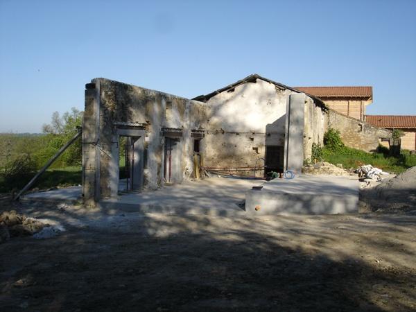 Intégration d'une maison neuve dans une ferme désafectée : DSC01672.JPG