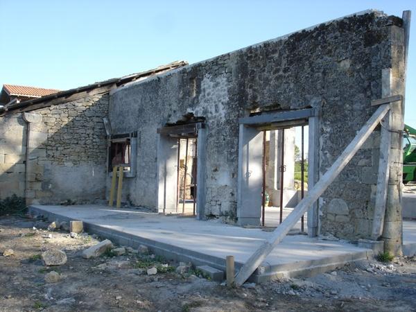 Intégration d'une maison neuve dans une ferme désafectée : DSC01675.JPG