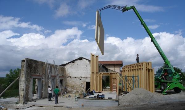 Intégration d'une maison neuve dans une ferme désafectée : DSC01713_14