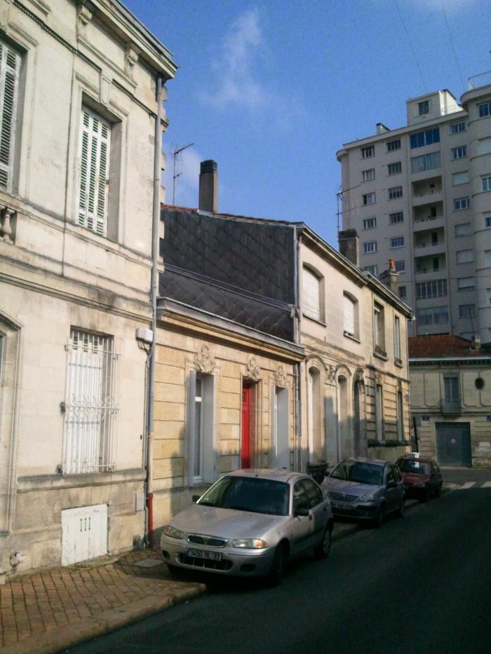 Maison BM : insertion rue