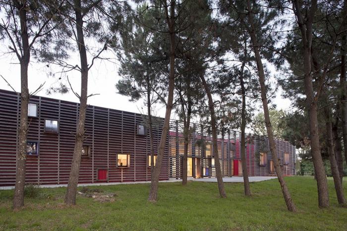 Centre de formation des métiers : façade Ouest