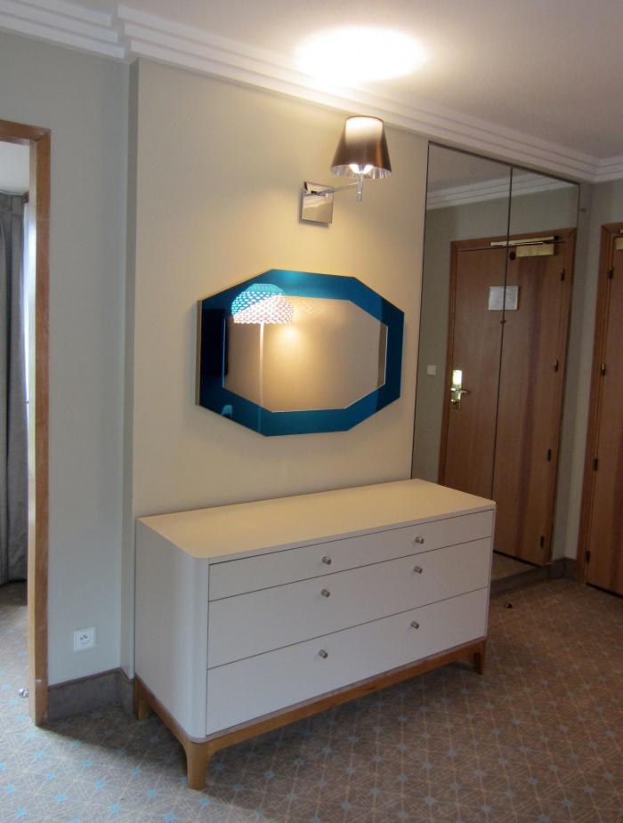 Chambre hotel les celestins bordeaux une for Mobilier bureau bayonne