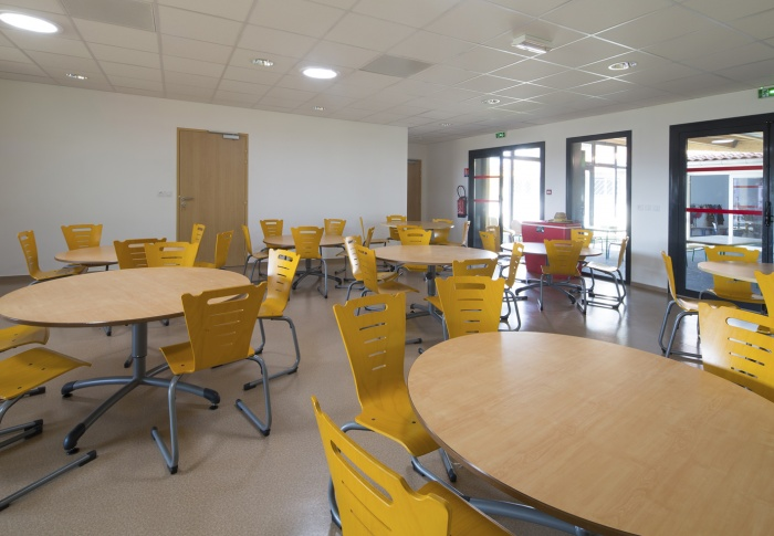 Extension et réaménagement d'un centre de Loisirs : espace restauration