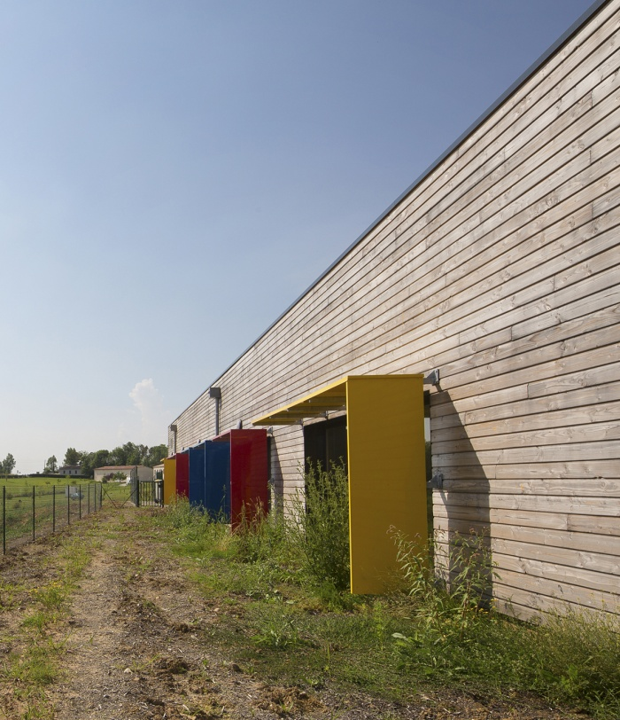 Extension et réaménagement d'un centre de Loisirs : facade arriere