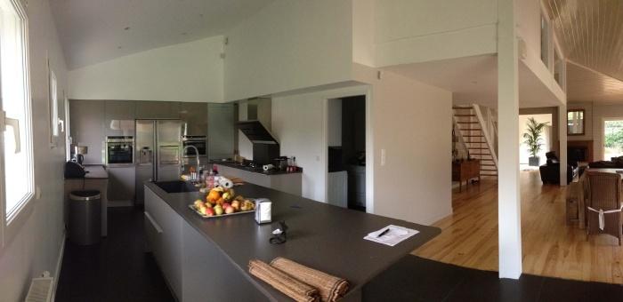 extension et rénovation habitation : 8 vue de la cuisine et du séjour avec perspective jusqu'au patio.jpg