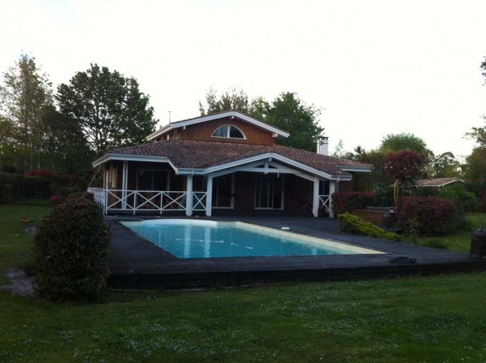 extension et rénovation habitation : 10 photo Existant depuis  piscine.jpg