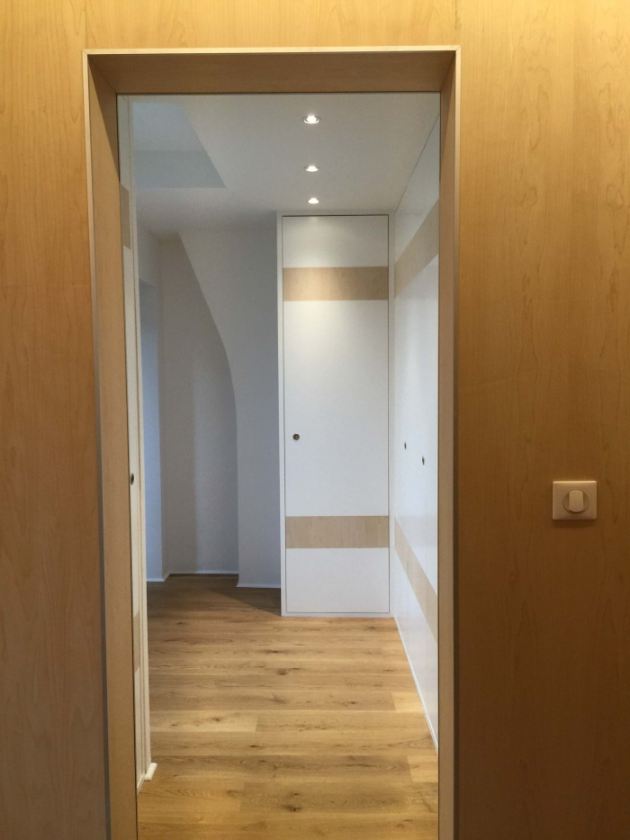 transformation Bureaux en appartement : dressing 1.jpg