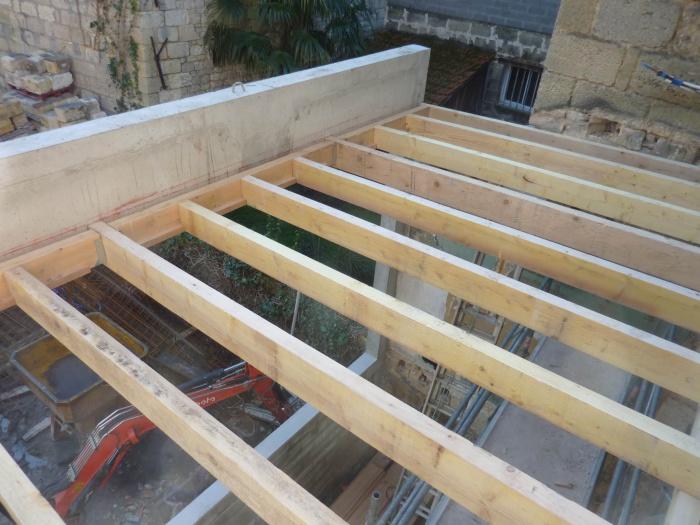Réhabilitation, surélévation et extension d'un immeuble à Bordeaux : Création véranda