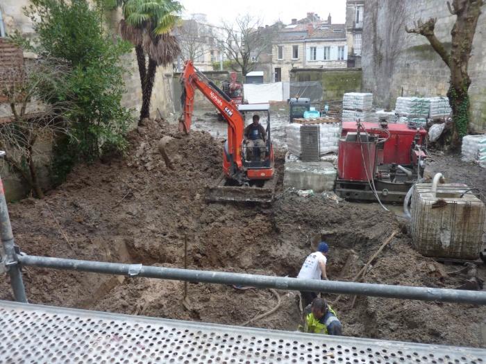 Construction d'un immeuble neuf à Bordeaux : Préparation grue