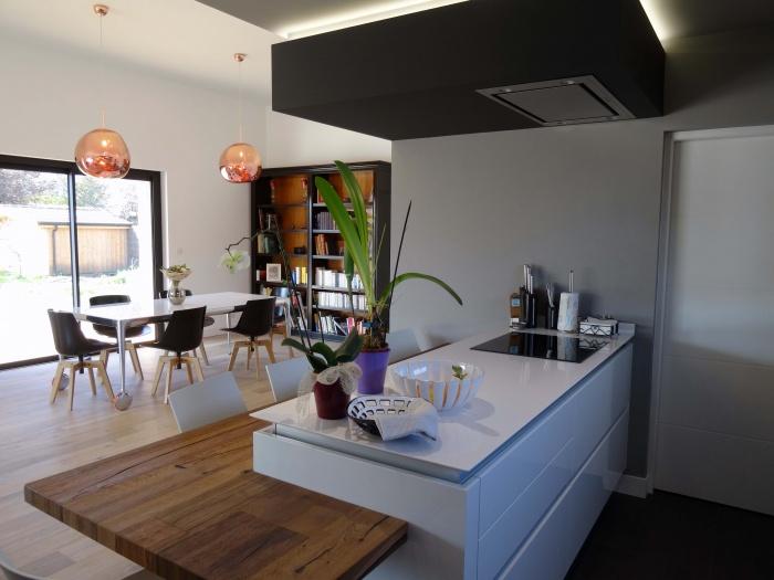 Maison du vieux Chêne : Cuisine vers salle à manger