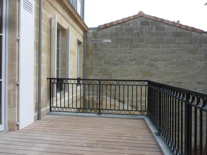Réhabilitation, surélévation et extension d'un immeuble à Bordeaux : Terrasse R+1